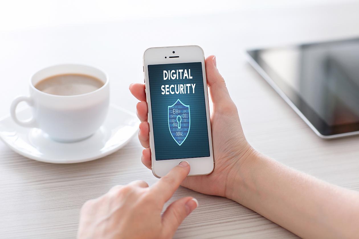 Always On asesora en las herramientas para evitar ataques digitales a través de dispositivos móviles.