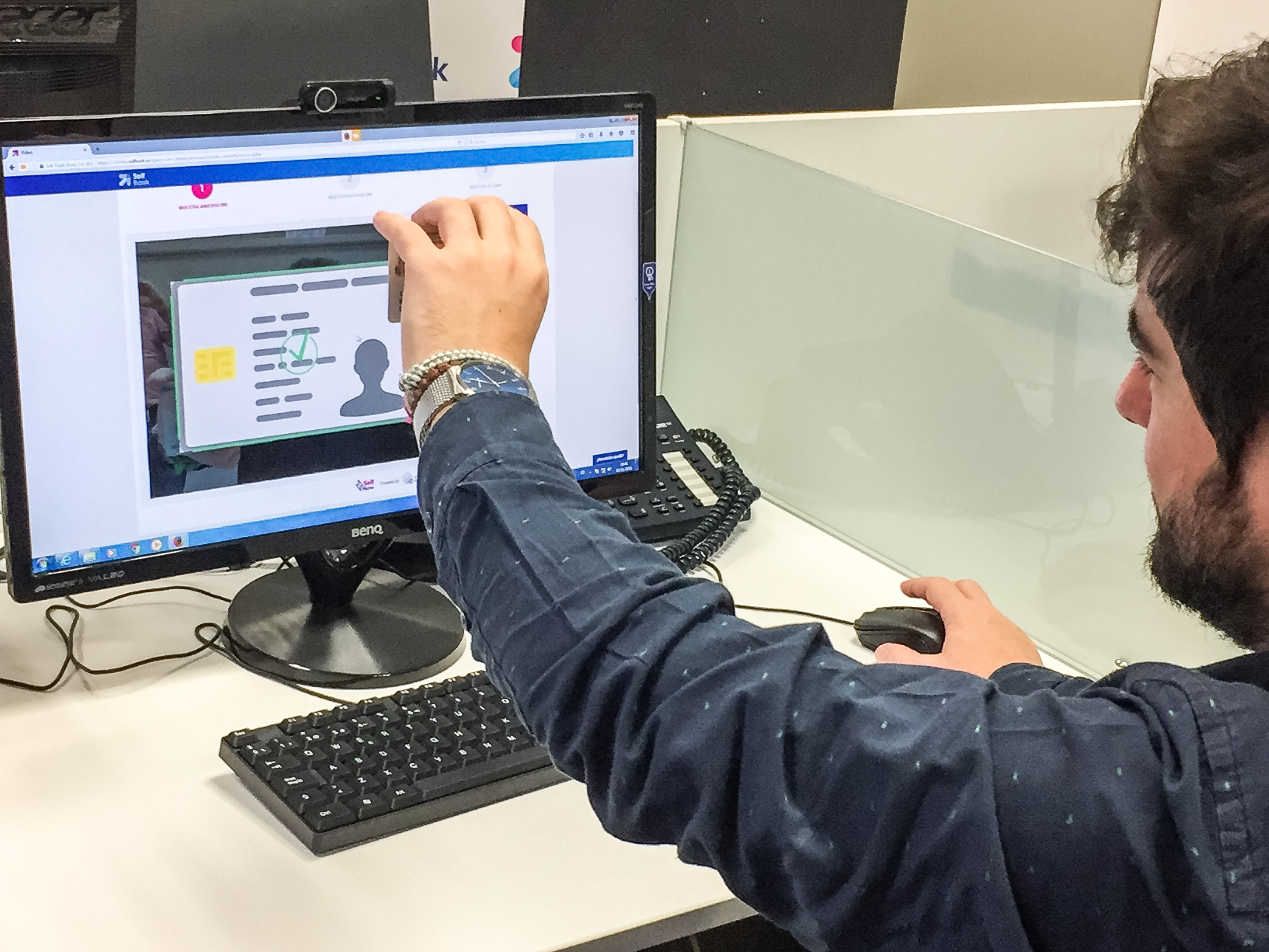 Self Bank, primer banco español en ofrecer un proceso de alta cliente a distancia por videoconferencia
