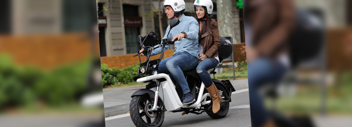 Comodidad, rapidez y precio principales razones de las mujeres para utilizar servicios de motosharing